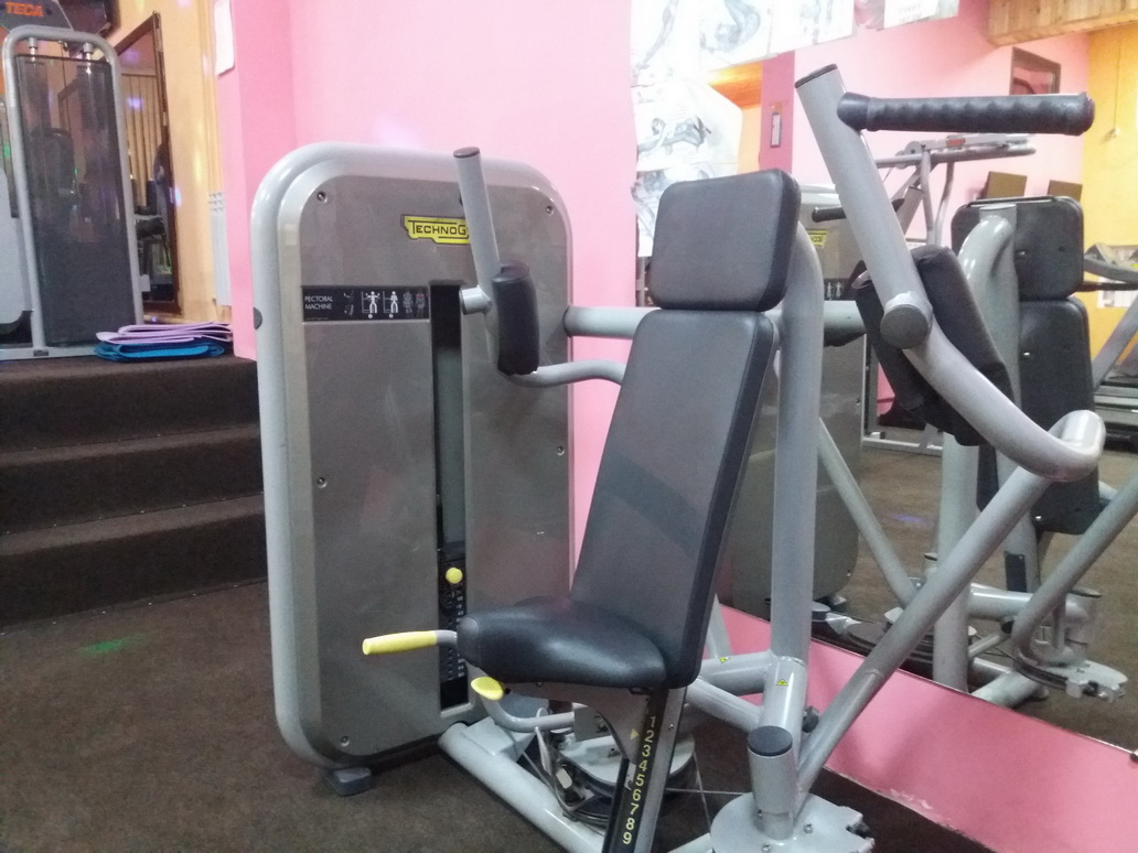 Баттерфляй Technogym  Element+ Pectoral Mashine